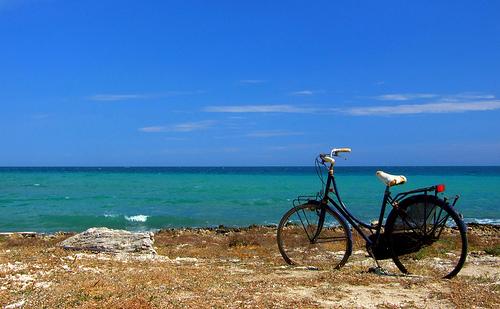 bicicletta sul mare